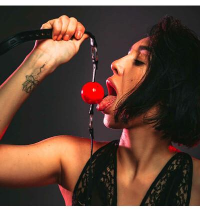Lola Games Gag Party Hard Love Spell Red - Knebel z kulką, czerwony